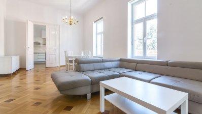 Trg Bana Jelačića apartment 145m2 for rent