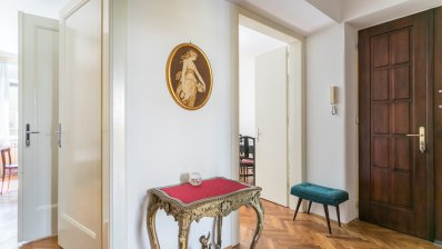 Matka Laginje street, furnished one bedroom apartment 74 m2