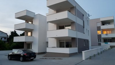 Pag Novalja modern new building with 5 apartments