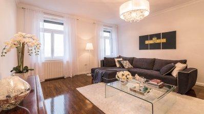 Centre luxury 2 bedroom apartment 105m2