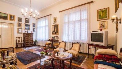 Nazorova (Tuškanac) 2 bedroom apartment + parking