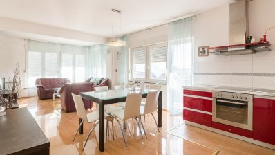 Maksimir 3 bedroom apartment 108m2 with garage