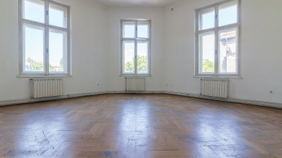 Marulic square three bedroom apartment with an enormous potential
