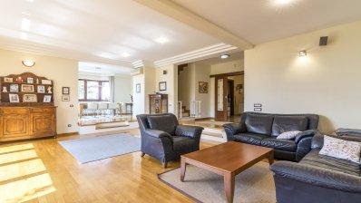 Maksimir beautiful family vila 500m2 for rent