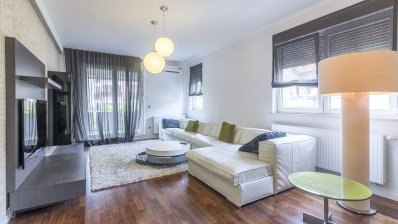 Maksimir /centre 3 bedroom apartment with garage