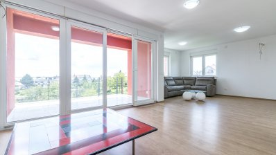 Maksimir, three bedroom apartment with a panoramic view on Zagreb
