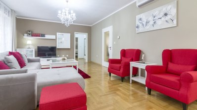Remete,  beautifull two bedroom apartment with garden and garage