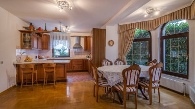 Maksimir family house with 3 apartments