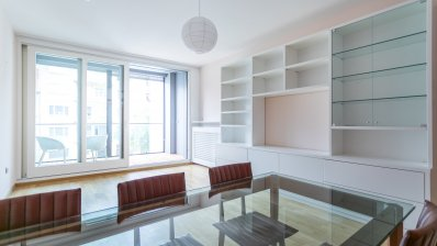 British square, beautiful two bedroom apartment + garage space, total NKP 90 M2