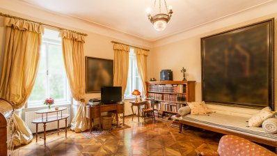 Upper town most luxury apartment