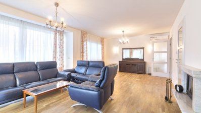 Beautiful detached house 320m2 with garden