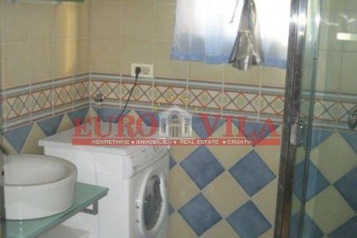 mala kupaonica