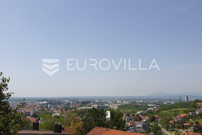 Zagreb Gajnice Samostojeca Obiteljska Kuca Na Tri Etaze S Dva Stana
